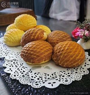 巧克力菠萝包-法爵烘焙技术加盟