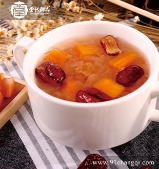 红枣雪耳炖木瓜 _堂代甜品