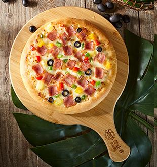 美食培根披萨-拾佳客九块九披萨加盟